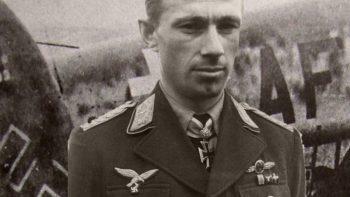 Permalink zu:Biographie von Helmut Lent